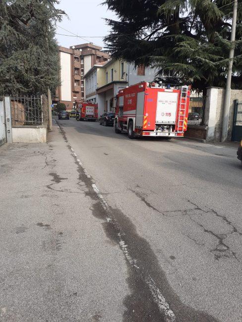 Macherio Fuga di gas in via Cadorna pompieri