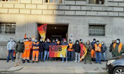 Lavoratori della Sangalli in sciopero: presidio sotto il Comune