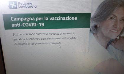 Rallentamenti e difficoltà per prenotare online il vaccino agli over 80