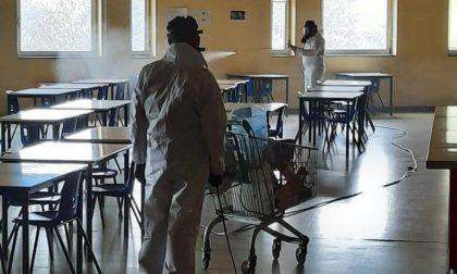 Scuola chiusa per Covid, via alla sanificazione