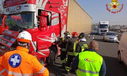 Incidente tra mezzi pesanti in Tangenziale sul posto anche i pompieri di Monza e Lissone