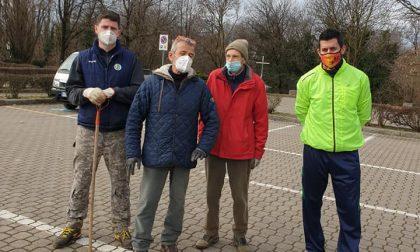 Volontari al lavoro per ripulire Aicurzio dalla monnezza