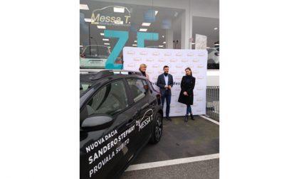 Giorgia Crivello e Franco Bobbiese ospiti in concessionaria Messa T per presentare la nuova gamma Dacia Sandero