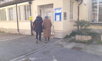 Stop AstraZeneca, appuntamenti cancellati agli insegnanti