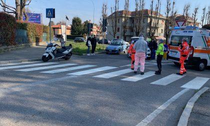Carate, scontro auto e moto: ferito un 29enne