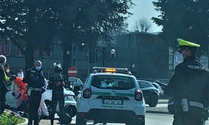 Carate Brianza, ciclista investito davanti al Taurus