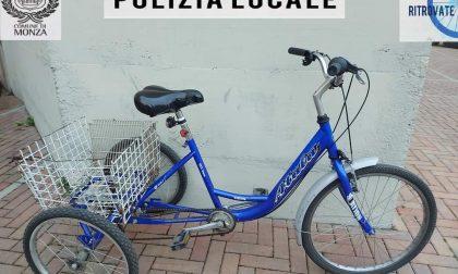 Monzese ritrova la sua bici a tre ruote, rubata, grazie alla pagina Facebook della Polizia locale