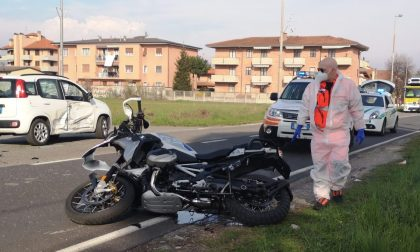 Incidente all'incrocio tra Desio e Bovisio: ferito un motociclista