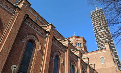 Restauro del campanile, gli operai sono arrivati in cima
