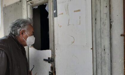 Gli abusivi rientrano all'ex Macello: porte e finestre vandalizzate