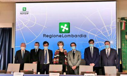 Lombardia, vaccini Covid in azienda per i dipendenti: Regione sigla il protocollo