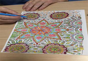 """I colori che """"curano"""": il progetto dell'Hospice per la serenità dei pazienti"""