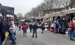 Bancarelle del mercato nei quartieri di Seregno