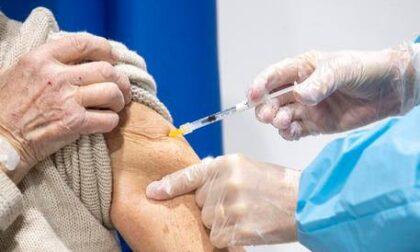 Vaccini: ecco cosa devono fare gli over 80 che non sono stati ancora convocati