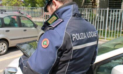 Motociclista e automobilista senza patente: cinquemila euro di multa