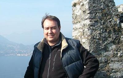 """Lo scrittore Michele Allegri e """"L'illuminismo dei Rosacroce"""""""
