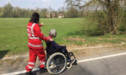 I volontari della Croce Rossa e quella mano tesa per far uscire i disabili dalla solitudine