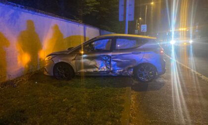 Scontro tra auto a Monza: coinvolti tre giovanissimi