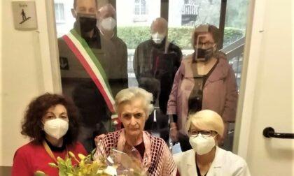 Carate Brianza, festa per i 101 anni della «calzulara»