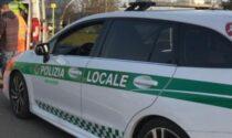 Donna al volante completamente ubriaca provoca un incidente: denunciata e addio patente