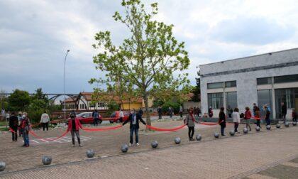 Un flash mob a sostegno della Biblioteca di Mezzago