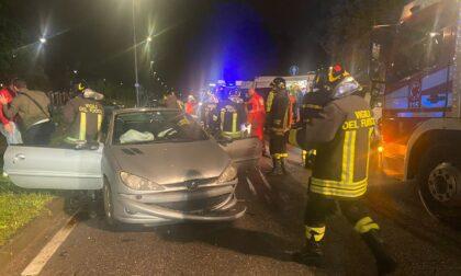 Brutto incidente in via Battisti ad Albiate, due feriti