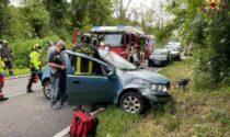 Auto si ribalta: feriti quattro ventenni