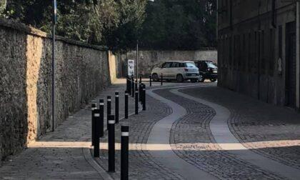 Dehor e tavoli su marciapiedi e parcheggi per bar e ristoranti