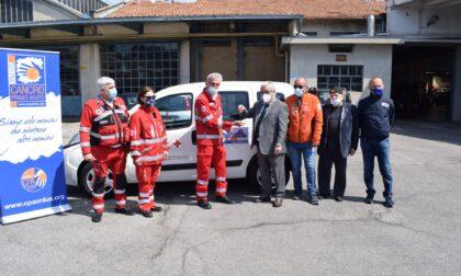 Cancro Primo Aiuto dona un nuovo mezzo alla Croce Rossa