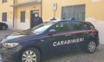 Monzese cacciato dalla moglie vive in auto da una settimana, ma non ha soldi per mangiare: aiutato dai Carabinieri