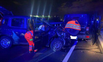 Incidente all'uscita della Statale 36: auto impatta contro una vettura ferma in panne