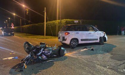 Scontro fra auto e moto, muore una ragazza di 31 anni