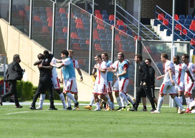 Esultanza Monza calcio Balotelli