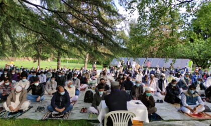 Fine del Ramadan, a Desio fedeli musulmani in preghiera