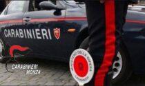 Getta via la droga dopo aver visto i Carabinieri: 27enne finisce nei guai