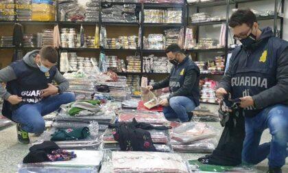 In Piemonte sequestrati 400mila vestiti in finta seta: le indagini arrivano anche in Brianza