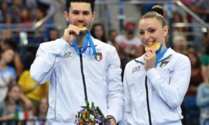 Il vimercatese Davide Donati e la compagna Michela Castoldi salutano l'Aerobica dal tetto del Mondo