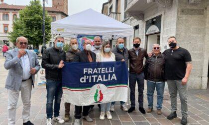Fratelli d'Italia in piazza con l'ex consigliere Azzarello