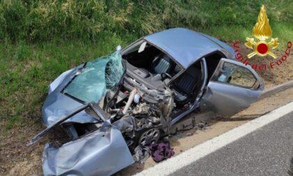 Scontro tra un'auto e un tir sulla Tangenziale Nord: due feriti