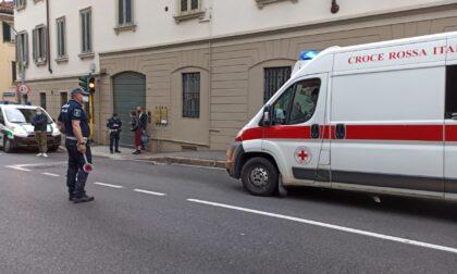 Incidente auto moto, centauro in ospedale