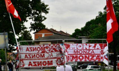 Monza-Brescia in diretta. Le rondinelle sbancano l'U-Power Stadium: per i biancorossi il sogno della promozione prosegue ai play-off