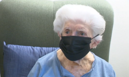 Ha 92 anni e attende ancora che le facciano il vaccino