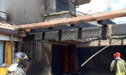 Box e porticato vanno a fuoco, villetta gravemente danneggiata