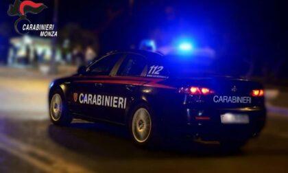 Colpisce con un pugno la ex convivente e aggredisce i Carabinieri, arrestato 48enne