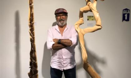 Due opere dell'artista desiano Gigi Renga in dono alla Biblioteca Civica