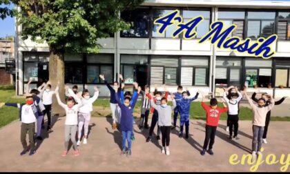 Ultimo giorno di scuola, flash mob alla Masih e all'Anzani