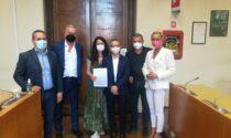 """Firmati in Comune due nuovi """"Patti di collaborazione"""" per la cura dei verde"""