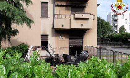 Incendio in appartamento, una persona ustionata