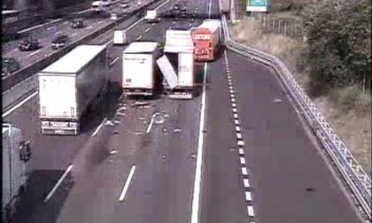 Grave incidente in Autostrada A4 con mezzi pesanti coinvolti