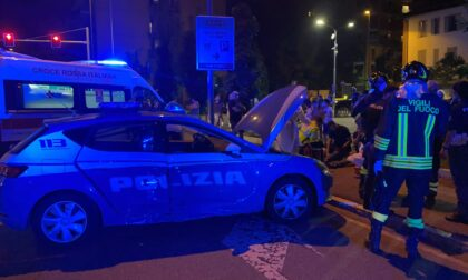 Scontro violentissimo tra Volante della Polizia e auto